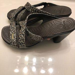 Crocs Women's Cyprus IV Heels Leopard/Sparkle